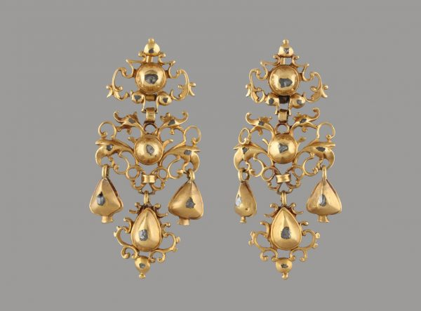 """SEQUILÉ"" EARRINGS"