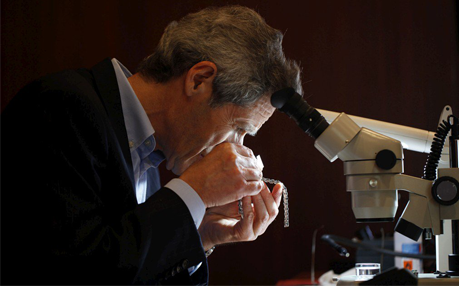 Evaluations by Gemologists Specialized in diamonds and pearls